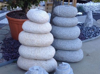 Gros pot exterieur for Gros galet decoratif