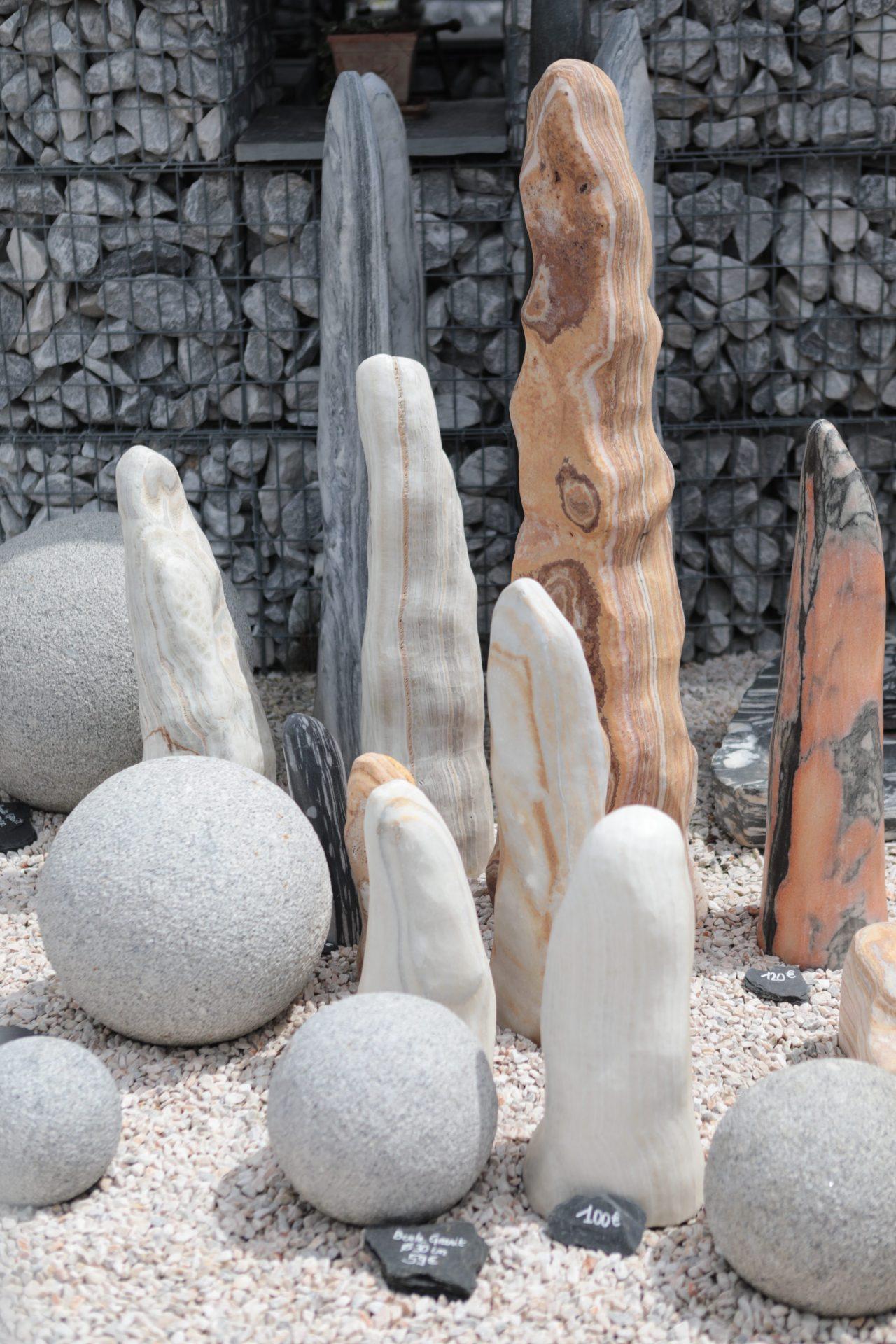 monolithes en pierres naturelles à toulouse