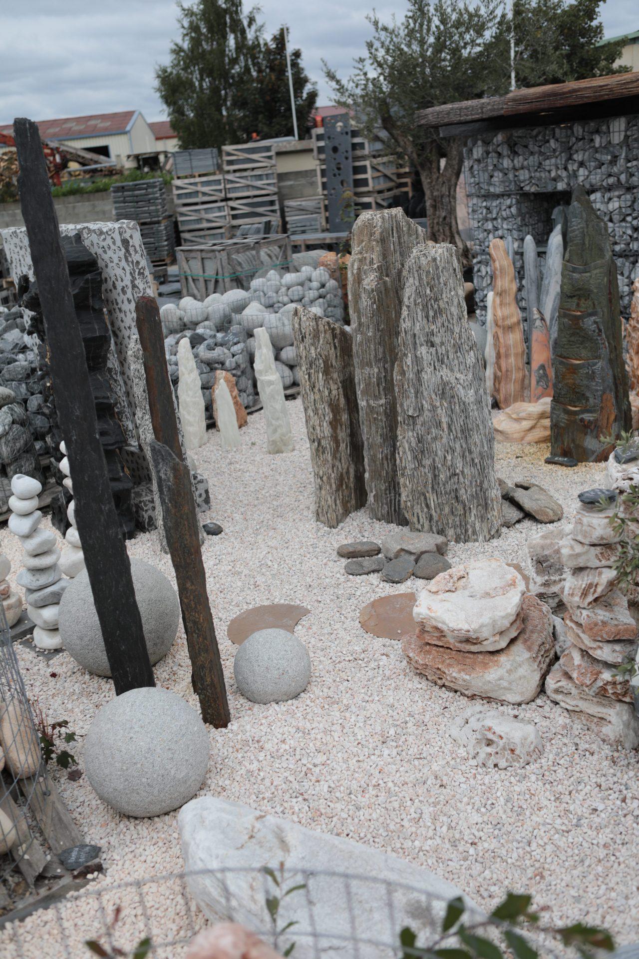 monolithes boules de grès décoratives