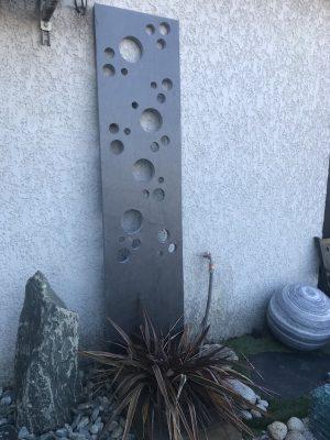 totem en ardoise pour le jardin